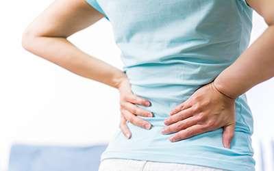 Dor nas costas e diminuição do fluxo urinário – uma combinação perigosa!