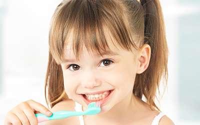 Os cuidados com a saúde bucal na infância